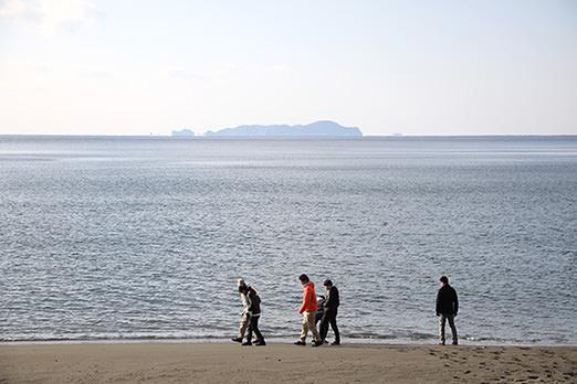 かまえの海をみんなで散策