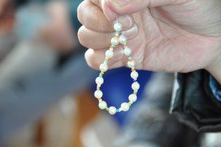 真珠のアクセサリー作り体験の写真